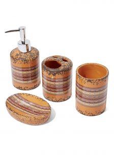 Bathroom accessories set